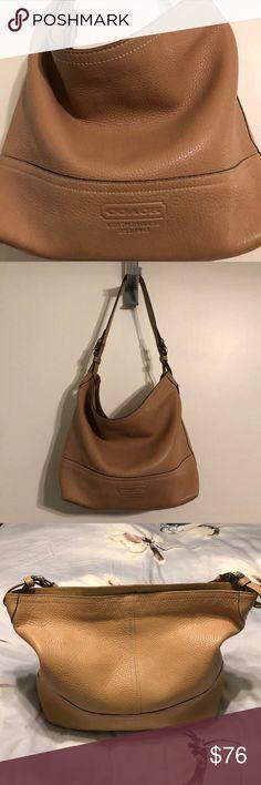 ef1db26102b Vintage Coach hobo bag. EUC. Pebble leather