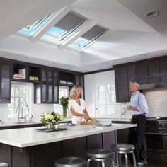 VELUX 21 x 45-3/4 in. Solar Powered Fresh Air Venting Deck-Mount Skylight with Laminated LowE3 Glass-VSS C06 2004 - The Home Depot