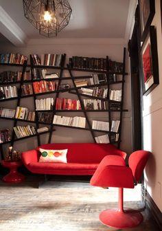 asymetryczna półka książki