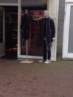 open vitrine total-look-display