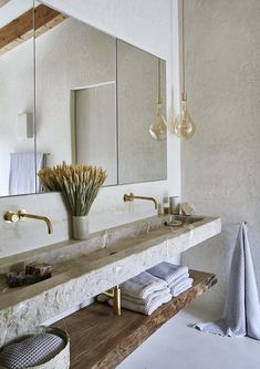 A boldly conceived holiday home situated on the mountainside close to the historic town of Valldemossa, Mallorca, blends an urbanely contemporary sensibility with elemental ease. Retro Home Decor, Fall Home Decor, Home Decor Styles, Cheap Home Decor, Home Decor Accessories, Western Style, Bathroom Trends, Bathroom Ideas, Bathroom Designs