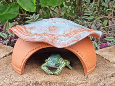 simple Ceramic Frog House/Toad Abode for around the pond Big Ladybug by MyMothersGarden Frog House, Toad House, Insect Pest, Funny Farm, Hand Built Pottery, Visual Texture, Whimsical Fashion, Frog And Toad, Pottery Ideas