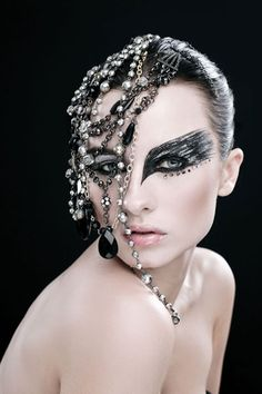Gleam Team: Make-up artist and photographer collaborate for bold looks : Make-Up Artist Magazine Make Up Art, Eye Make Up, How To Make, Maquillage Halloween, Halloween Makeup, Halloween Circus, Black Swan Makeup, Fantasy Make Up, Eye Makeup Art