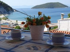 Mariren || Offering a sun terrace and views of the sea, Mariren is situated in Neo Klima. Free WiFi is featured . The pet-friendly accommodation is air conditioned and is fitted with a flat-screen TV.