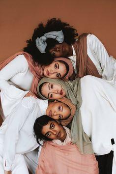 Beauty X 5 Photographer Models: Photo Portrait, Portrait Photography, Fashion Photography, Photography Magazine, Feminism Photography, Group Photography, Beauty Portrait, Color Photography, Editorial Photography