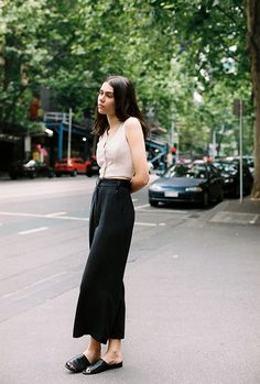 Chic Outfits, Spring Outfits, Fashion Outfits, Minimalist Fashion Summer, Future Clothes, Look Vintage, Silhouette, Everyday Outfits, Simple Style