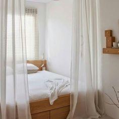 Interior: just bed (자료: pinterest )  #interior #interiordesign #interiordecor #homedecor #bedroom #인테리어 #인테리어디자인 #홈데코 #홈스타일링 #비오면역시기분이더멜랑코리 by spacebe_gallery