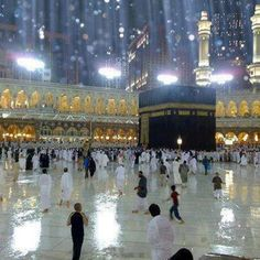 The Rain in kaaba in Masjid al-Haram, in Mecca, Saudi Arabia, Mecca Madinah, Hajj Pilgrimage, Masjid Al Haram, Mekkah, Beautiful Mosques, Islam Religion, Islamic World, Islamic Architecture, Architecture Design