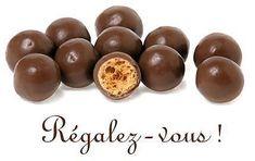 La meilleure recette de Royal au chocolat et Maltesers! L'essayer, c'est l'adopter! 4.8/5 (9 votes), 27 Commentaires. Ingrédients: Gâteau fait spécialement pour les 17 ans de mon fils(vendredi 04/11/2011) Joyeux Anniversaire !  Pour le biscuit : 2 œufs 60 g de sucre en poudre 40 g de poudre d'amandes 2 cs de farine rases 30 g de beurre fondu ½ c à café de levure chimique    Pour le croustillant : 150 g de pralin  50 g chocolat 90 g gavotte    Pour le parfait : 3...