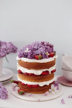 Strawberry yoghurt cake with mascarpone filling