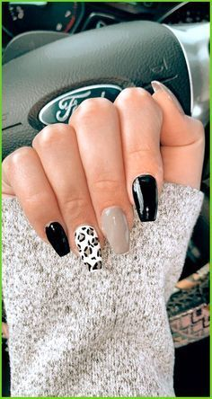 Acrylic Nails Coffin Short, Best Acrylic Nails, Stylish Nails, Trendy Nails, Western Nails, Country Nails, Cute Gel Nails, Cow Nails, Acylic Nails