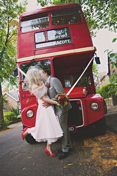60 Striking Red And Grey Wedding Ideas Dusty Blue, Dating In London, Theatre Wedding, British Wedding, Red Bus, We Fall In Love, Gray Weddings, London Wedding, Red And Grey