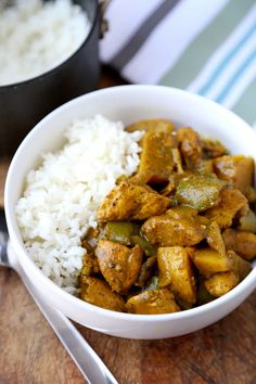 Jamaican Chicken Curry - Hotttt! This Jamaican chicken curry recipe will hit the spot if you are looking for strong and assertive flavors! Recipe, easy, main, stew, gluten free | pickledplum.com