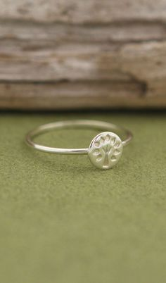 Sterling Silver Tree of Life Circle Ring Engagement Ring Buying Guide, Engagement Rings, Pear Ring, Silver Ring Designs, Tree Rings, Meaningful Jewelry, Diamond Jewelry, Gold Jewelry, Jewelry Box