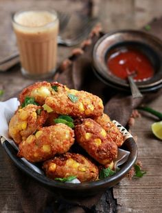 Today I have an easy to make no deep fry absolutely delicious kabab recipe for you all. Made of two favorite ingredients paneer and corn this paneer kabab is so very crunchy with a not so common ingredient in kababs.  Recipe @ http://cookclickndevour.com/paneer-kabab-recipe-how-to-make-paneer-kebab-recipe