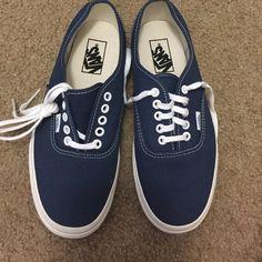 BRAND NEW Vans Denim vans. (Unisex) 7.5 men's & 9 in women's Vans Shoes
