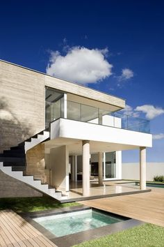 Image 12 of 14 from gallery of House VAP / Ney Lima. Minimalist Architecture, Modern Architecture House, Minimalist Interior, Modern Exterior, Exterior Design, Unusual Homes, Sims House, Dream House Plans, Big Houses