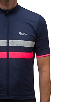 Rapha-Brevet_Windproof-Brevet-Jersey_chest.jpg (1500×2250)
