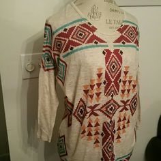 Boho Chic Aztec long sleeve top *lowest* Medium thickness material. Perfect for fall. Tag is faded but I know it was a medium. Listing as such. purchased from boutique in MS.  No offers Tops