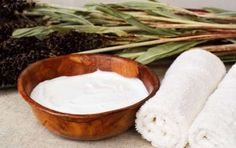 Latte detergente fai da te: la ricetta - Ecco la ricetta fai da te semplice per preparare in casa un latte detergente adatto a diversi tipi di pelle e anche una variante a base di yogurt magro bianco e acqua naturale.
