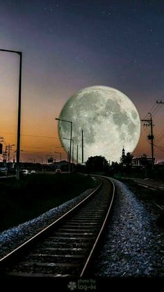 But mostly train-related pictures. I like other stuff too, so a few non-railroad pictures just might sneak in too. Moon Images, Moon Photos, Moon Pictures, Moon Pics, Beautiful Moon, Beautiful World, Stars Night, Foto Picture, Ciel Nocturne