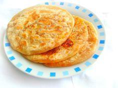 Priya's Versatile Recipes: Carrot Halwa Stuffed Poli