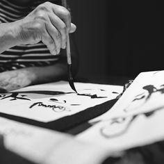 The art of calligraphy, Shodo 書道 Caligraphy, Calligraphy Art, Japanese Culture, Japanese Art, Scripture Lettering, Tinta China, Japanese Calligraphy, Creative Workshop, Zen Art
