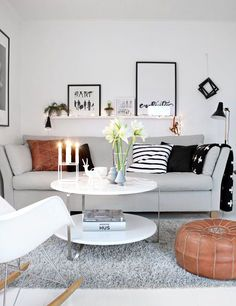 Beautiful Small Living Rooms That Work. Check out these small living room ideas and design schemes for tiny spaces. Take a look at the best small living room ideas. Small Living Room Design, Small Living Rooms, Living Room Designs, Living Room Decor, Living Spaces, Cozy Living, Simple Living, Modern Living, Living Area