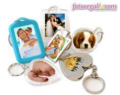 Portachiavi personalizzati: il regalo perfetto per le mamme sempre fuori casa.  Scopri tutti i formati disponibili qui:  http://www.fotoregali.com/accessori-moda/portachiavi