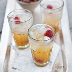 Honey Tangerine Fizz | Williams-Sonoma. Sparkling-juice cocktails are the perfect solution when you need a festive drink for partygoers who don't want to drink alcohol. Also, when it is just too hot for wine or beer, this fizzy refresher can be sipped all day long. For this fizz, use the juice of Ojai Pixie tangerines, satsuma mandarins or clementines.