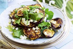 Eggplant, rocket and goats cheese salad. Add colour and style to a laid-back barbecue menu - it's fancy food minus the fuss. Tortellini, Slow Cooker Huhn, Eggplant Salad, Goat Cheese Salad, Feta Salad, Cooking Recipes, Healthy Recipes, Food Inspiration, Salad Recipes