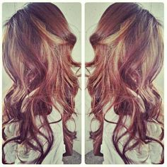 Long layers and tons of light pieces make hair to pretty.