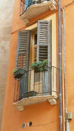 #Finestra con #balcone a #Padova