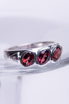 925 Sterling Silver Ring with Garnets