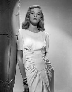 (I do not own any images that are posted here, however, all images posted are edited to my liking.) If you are the copyright holder, and want an image deleted, just message. 1940s Fashion, Vintage Fashion, Murphy Actor, Bogie And Bacall, Old Movie Stars, Lauren Bacall, Vintage Glamour, Vintage Hollywood, Beautiful Celebrities