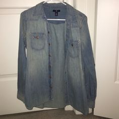 GAP Denim Shirt adorable shirt from Gap, in brand new condition!! great for winter layering! GAP Tops Button Down Shirts