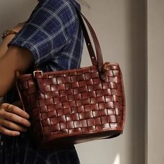 """Material: CowhideColor: Burgundy, GreenDimensions:Inches: Height 7.9"""" x Width 8.7""""~11.8"""" x Depth 4.7"""" Leather Totes, Leather Bag, Custom Bags, Vintage Bags, Handmade Leather, Tote Bags, Underarm, Louis Vuitton Damier, Burgundy"""