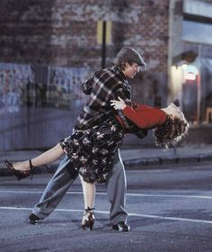 I want to dance in the middle of the street, to the music of our hearts like in The Notebook <3