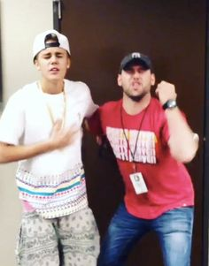 Justin Bieber's manager Scooter Braun wants to sever ties!: http://youtu.be/xc1_DZ4S8Fw?a