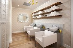 Drybar is the nation's premier blow dry bar specializing in just blowouts, no cuts, no color! We also offer professional hair care products and styling tools in our online shop! Home Hair Salons, Hair Salon Interior, Home Salon, Salon Interior Design, Beauty Salon Decor, Beauty Salon Design, Salon Shampoo Area, Ideas Decoracion Salon, Salon Ideas