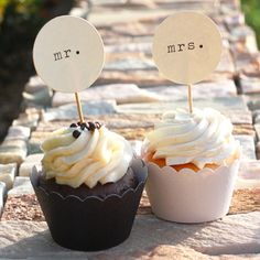 LOVE this idea - mr and mrs cupcakes with his and her flavors!