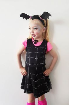Disney Costumes Learn how to make a budget friendly Disney Vampirina fancy dress up Costume with store bought clothing! Easy DIY for Halloween Easy Disney Costumes, Best Diy Halloween Costumes, Cool Costumes, Costume Ideas, Cosplay Ideas, Costume Tutorial, Diy Tutorial, Barbie Doll Accessories, Fancy Dress Up