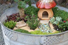 Aidie's Hideaway: DIY: Fairy Garden