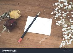 Baby'S Breath (Gypsophilia Paniculata) , Dry Roses And Empty Note On Wooden Background Stock Photo 411415453 : Shutterstock