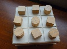 Como fazer brinquedos de madeira 7 Arts And Crafts, Diy Crafts, Tic Tac Toe, Wood Toys, Kids And Parenting, Fabric Crafts, Handmade Gifts, Barn, Marbles