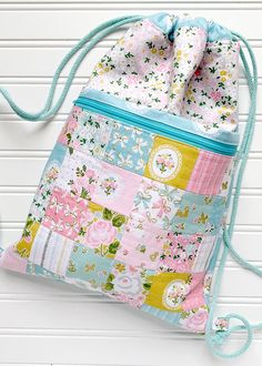 Milk and Honey – Alice Backpack Purse Handles, Bag Patterns To Sew, Sewing Patterns, Milk And Honey, Bag Making, Purses And Bags, Diaper Bag, Backpacks, Alice