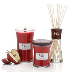 candles woodwick candles use a wooden wick to simulate the burning ...