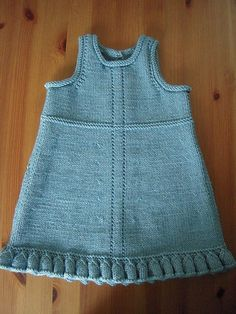 Ravelry: Project Gallery for Ruffled Dress pattern by Lois Daykin - Kinder Kleidung Girls Knitted Dress, Knit Baby Dress, Baby Girl Patterns, Baby Knitting Patterns, Baby Pullover, Knitting For Kids, Baby Sweaters, Ravelry, Little Girl Dresses