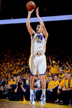 Game 4 Klay Thompson added 13 points and five assists. Golden State Basketball, Mba Basketball, Basketball Skills, Basketball Players, Golden State Warriors, Warriors Vs, Nfl 49ers, Splash Brothers, Amigurumi