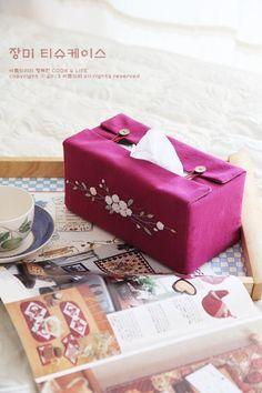 장미꽃자수 티슈케이스 : 네이버 블로그 Tissue Paper Holder, Tissue Box Covers, Tissue Boxes, Diy Sewing Projects, Sewing Crafts, Projects To Try, Tablet, Sewing Stitches, Ribbon Embroidery